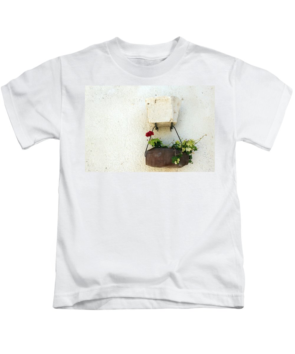 Rose Kids T-Shirt featuring the photograph Simply Red by Munir Alawi