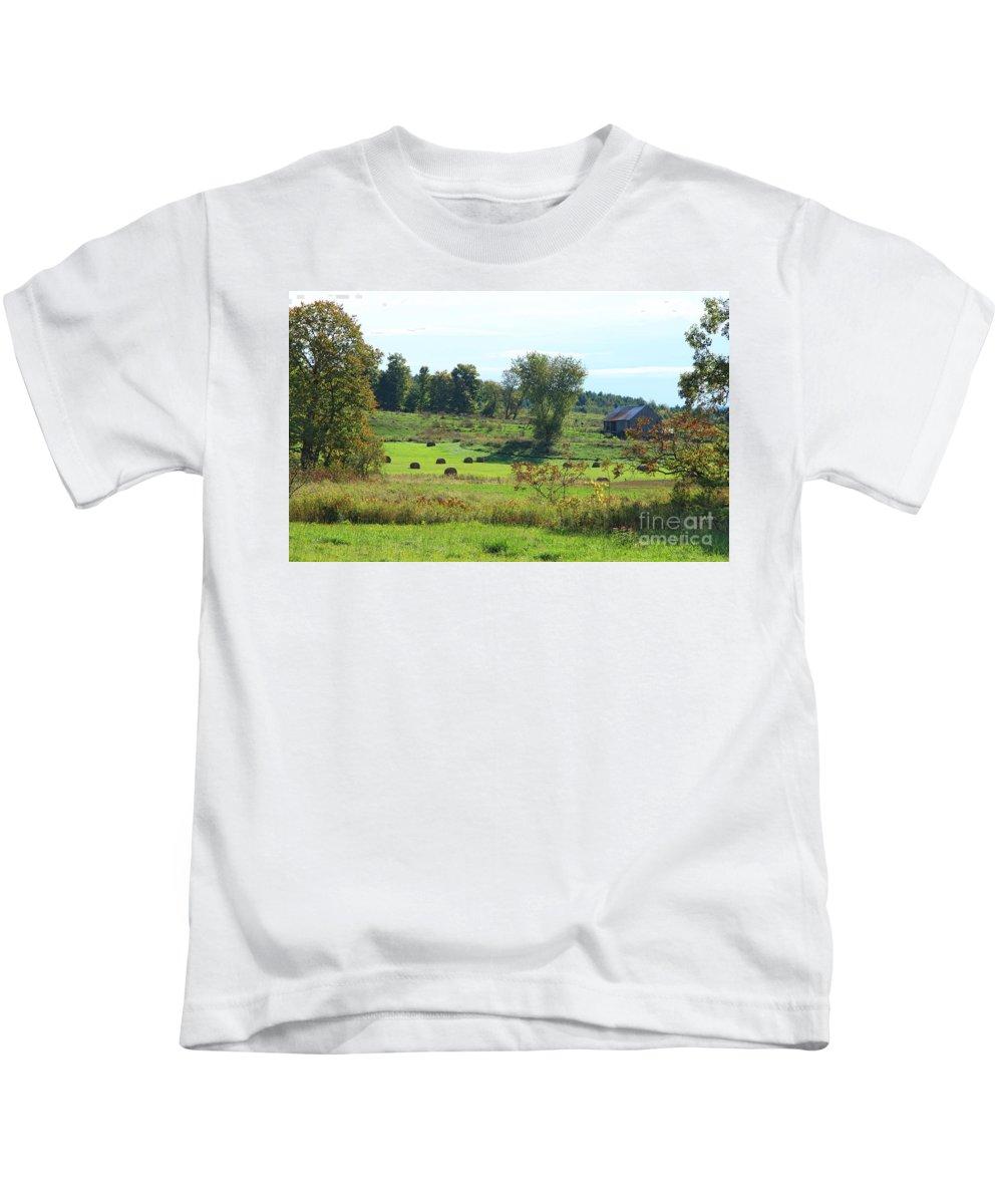 Vermont Kids T-Shirt featuring the photograph Simply Vermont by Deborah Benoit