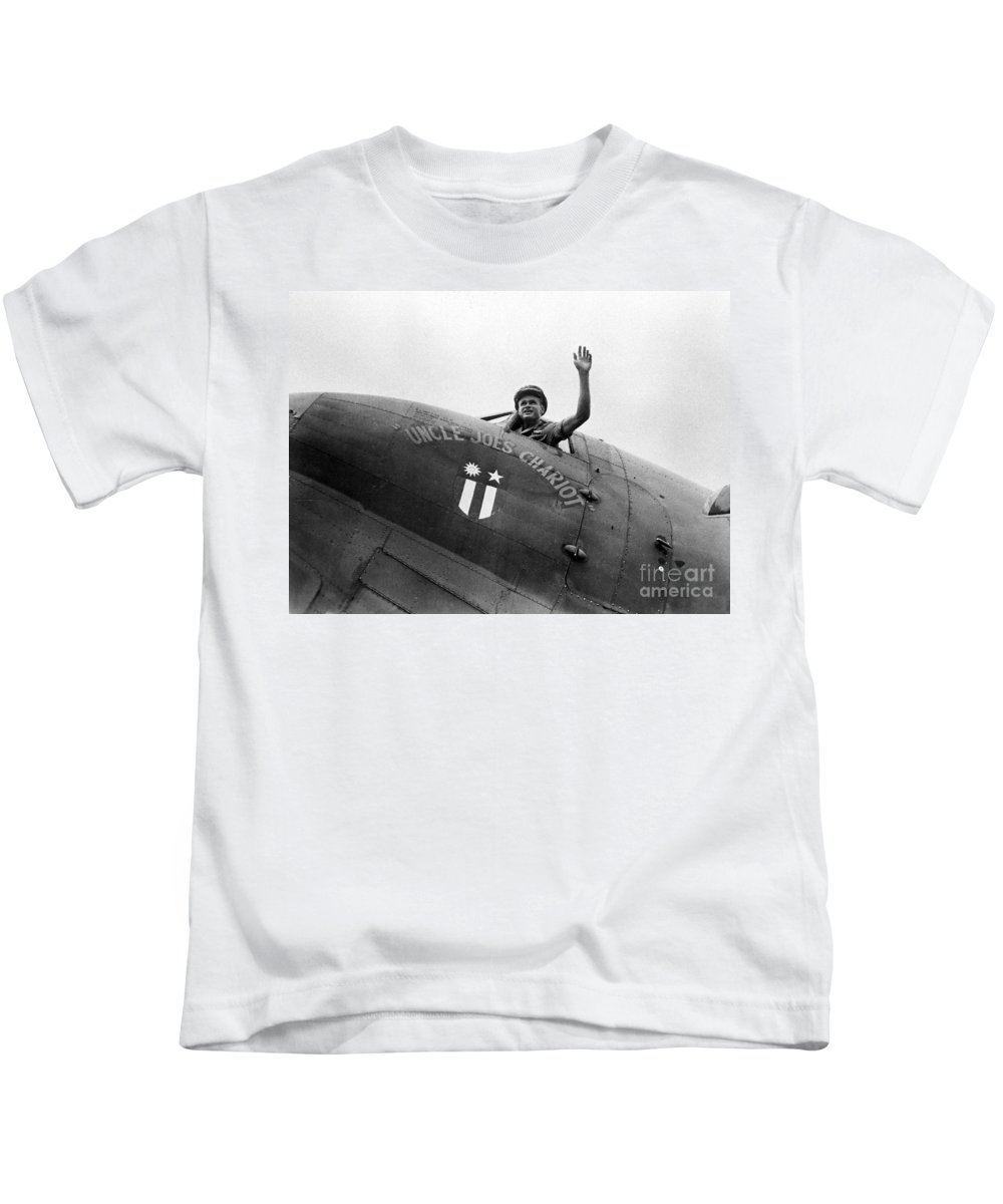 1943 Kids T-Shirt featuring the photograph Stilwell - Plane C1943 by Granger