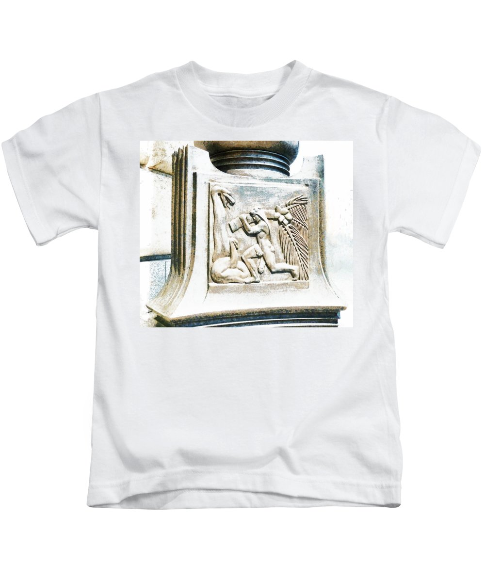 London Kids T-Shirt featuring the photograph The Art Of Unilever by Steve Taylor