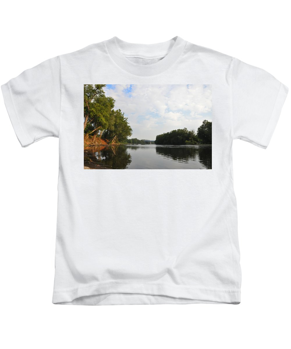 Schuylkill Kids T-Shirt featuring the photograph The Schuylkill River At West Conshohocken by Bill Cannon