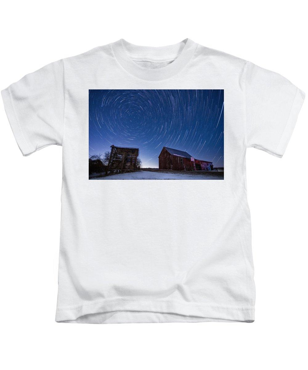 Maryland Kids T-Shirt featuring the photograph A Cold Winter Night by Robert Fawcett