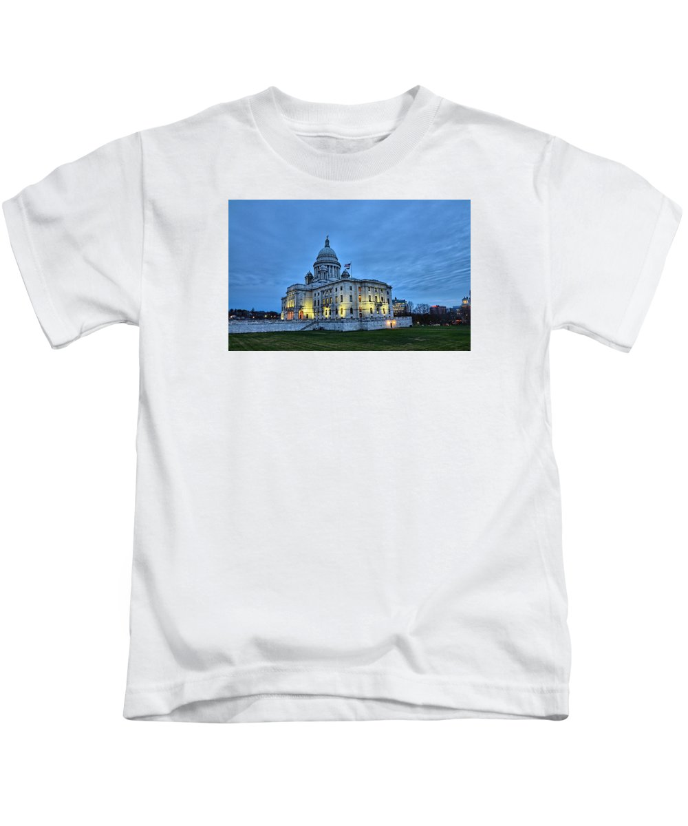 State House Kids T-Shirt featuring the photograph State House Night by Melissa Hicks