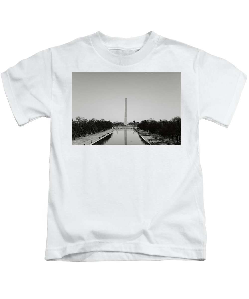 History Kids T-Shirt featuring the photograph Washington Monument In Washington Dc by Brandon Bourdages