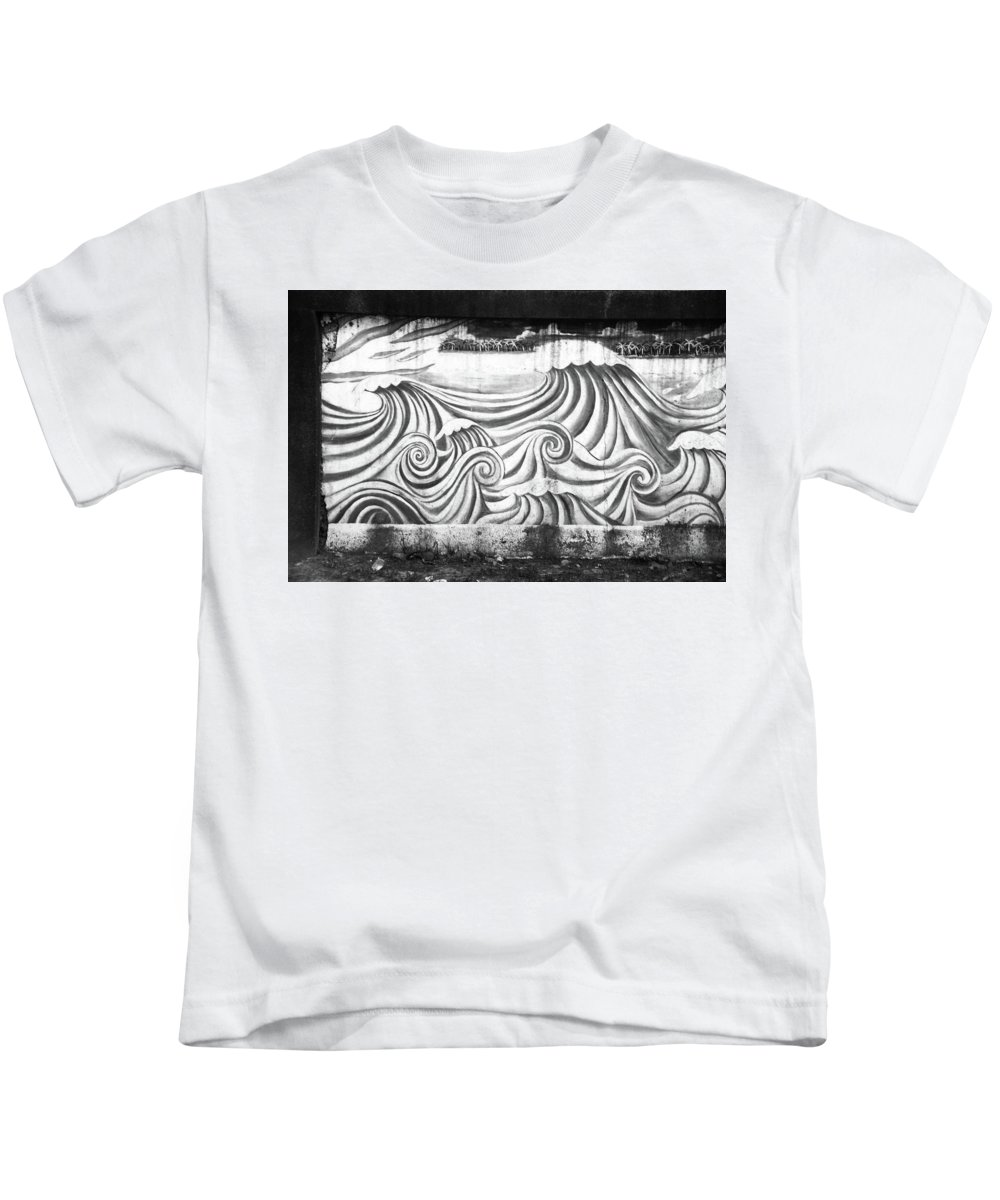 Mati Kids T-Shirt featuring the photograph Wave Goodbye by Jez C Self