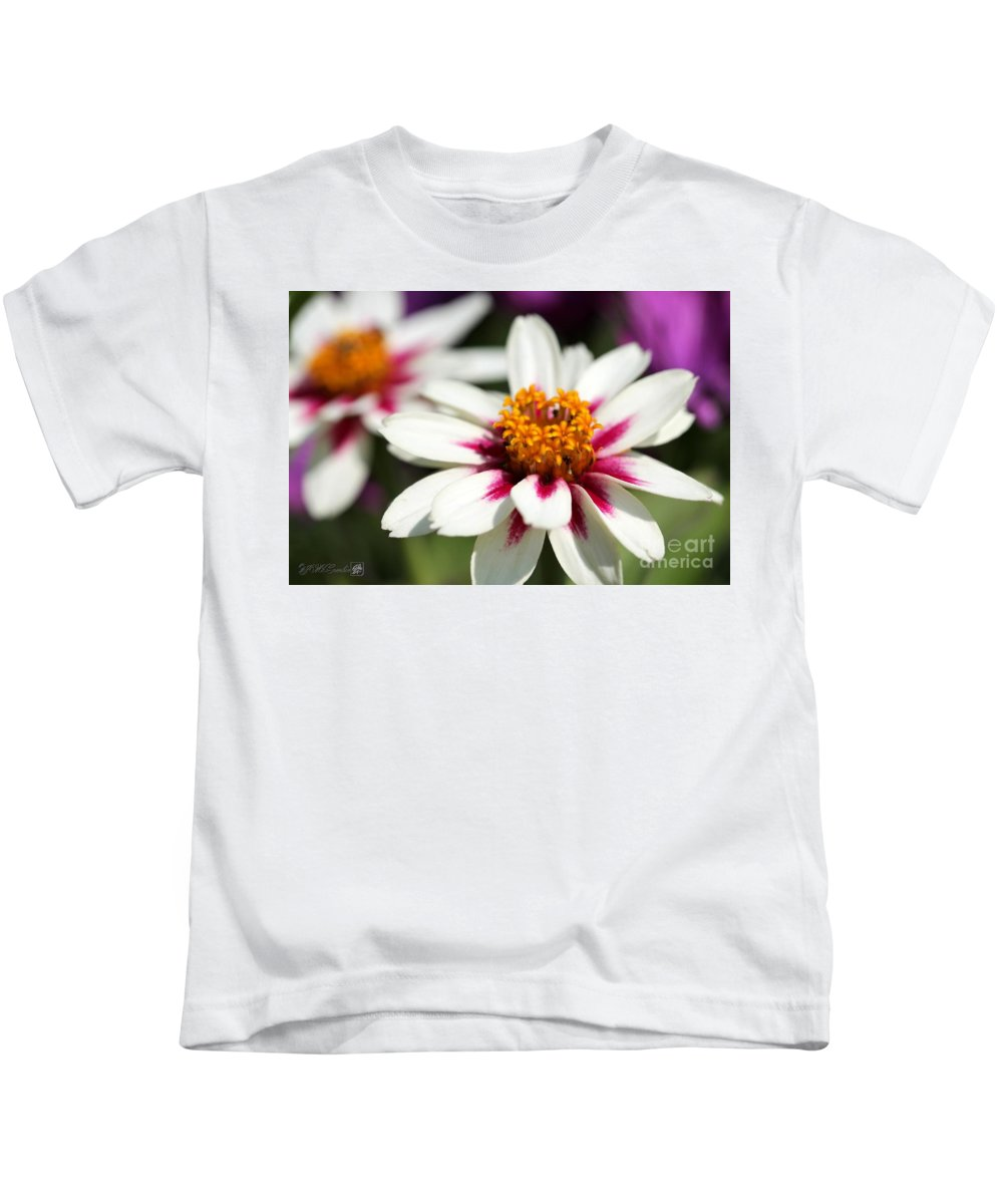 Mccombie Kids T-Shirt featuring the photograph Zinnia Named Zahara Starlight Rose by J McCombie