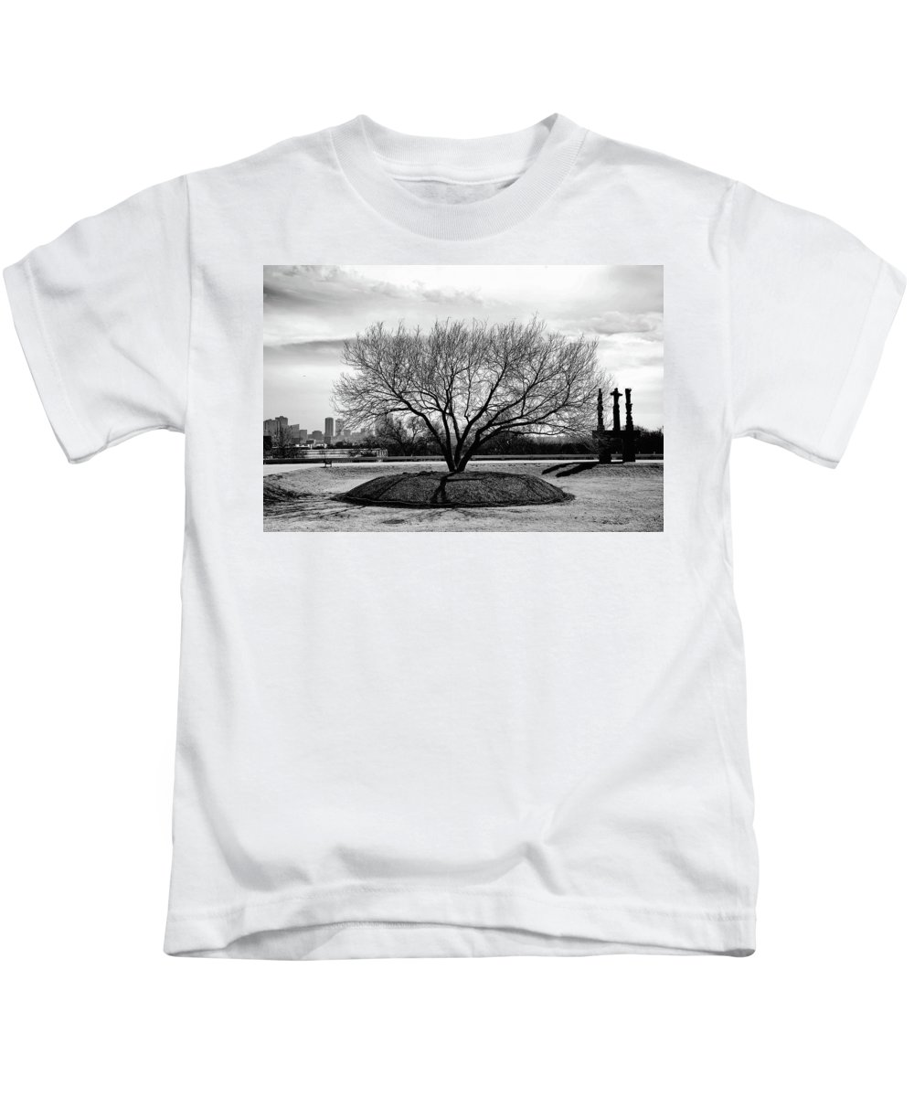 Landscape Kids T-Shirt featuring the photograph A Tree In Fort Worth by Frank Verreyken