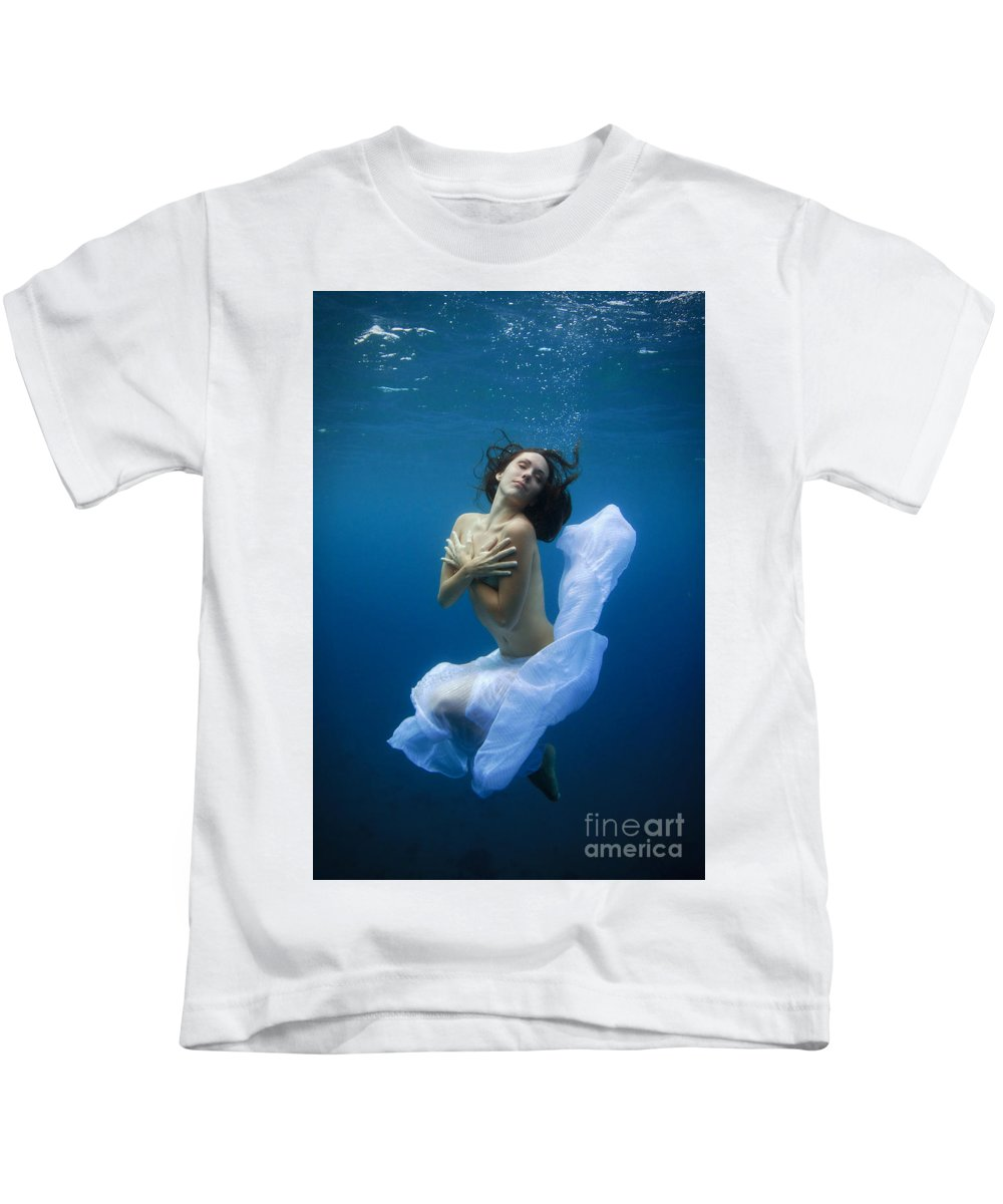 Under Water Kids T-Shirt featuring the photograph Aime by Francois Laborde