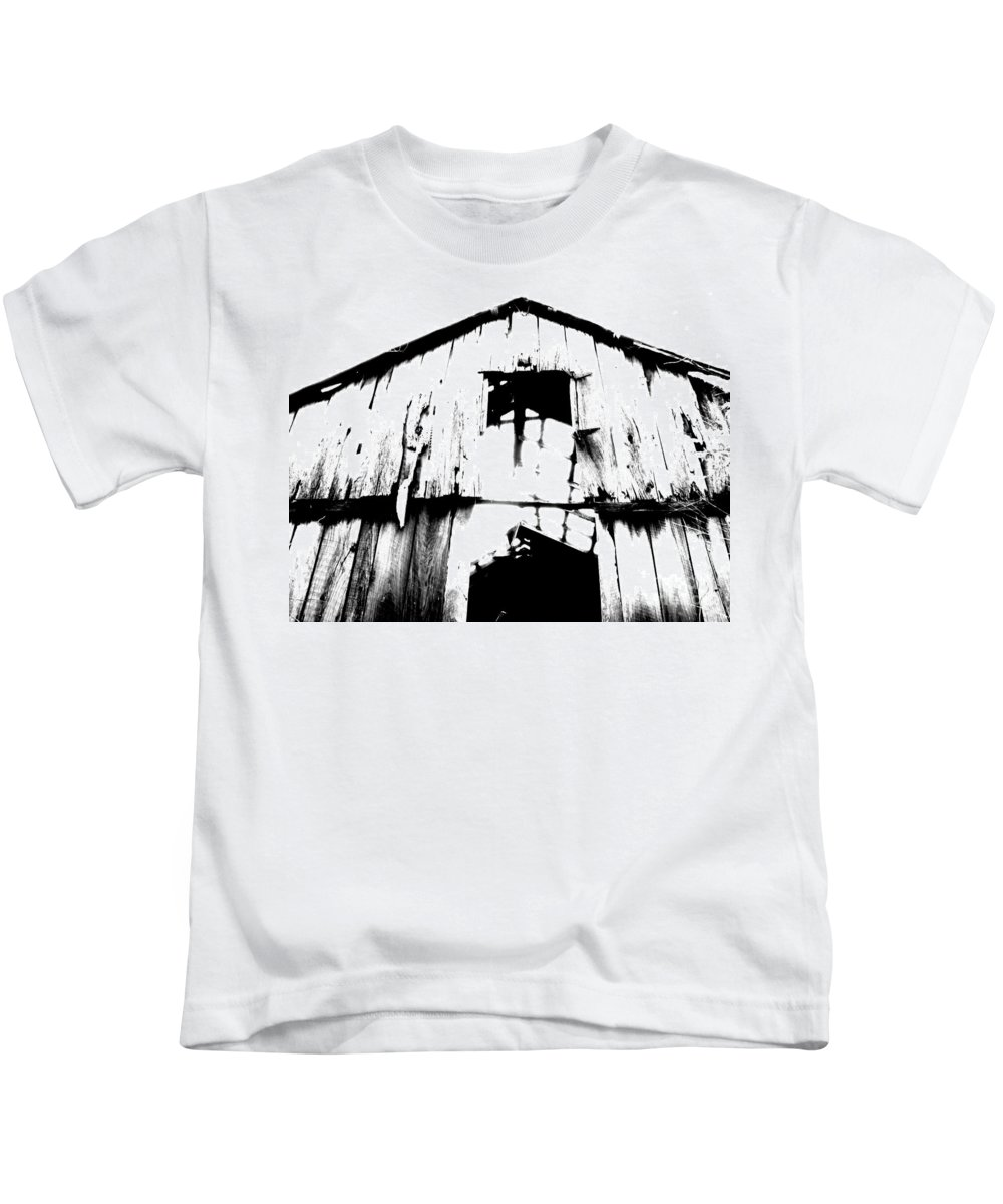 Barn Kids T-Shirt featuring the photograph Barn by Amanda Barcon