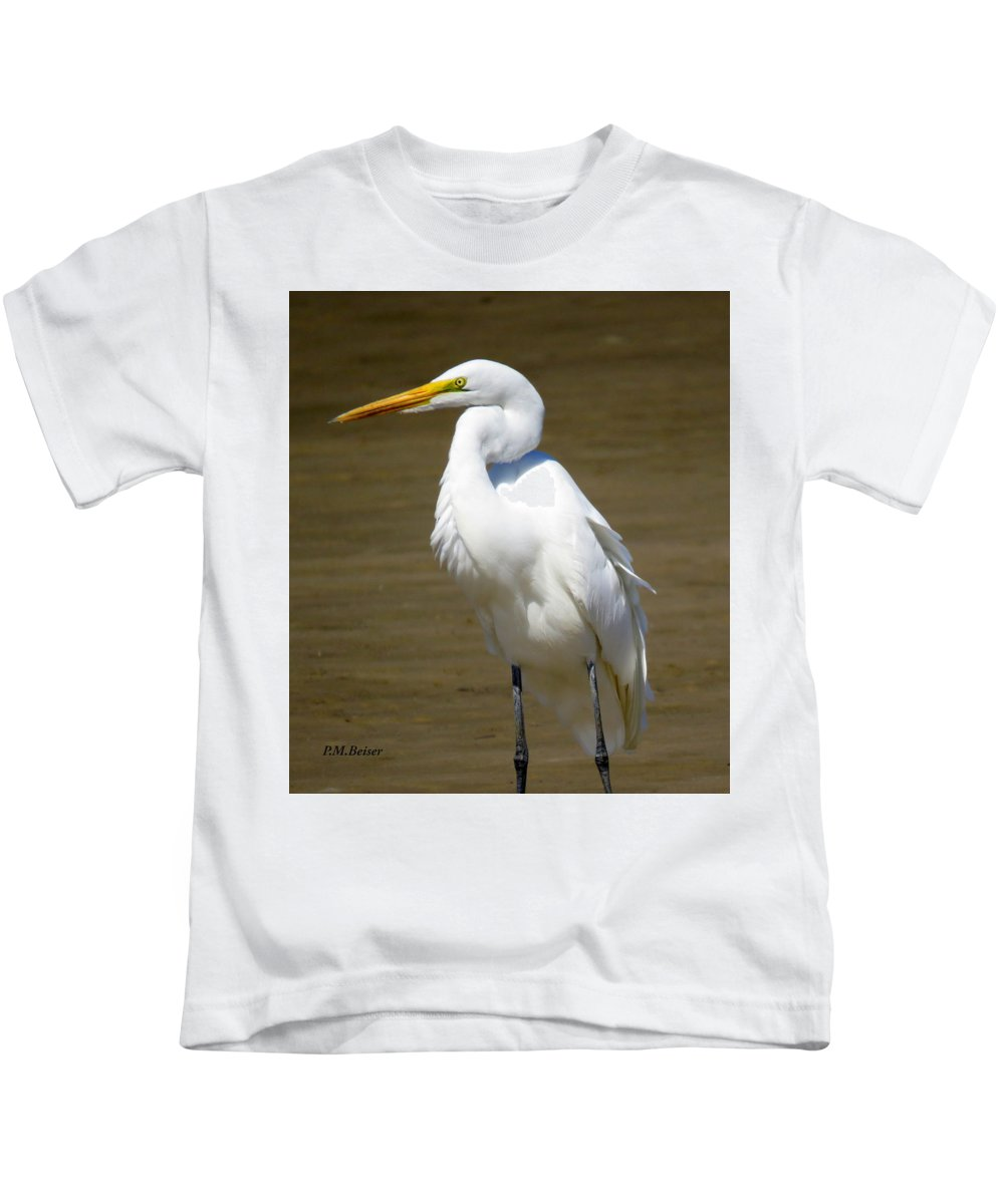 Great Egret Kids T-Shirt featuring the photograph Beauty And The Beach by Phyllis Beiser
