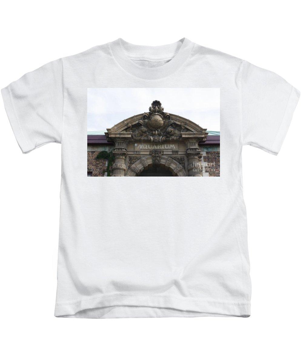 Aquarium Kids T-Shirt featuring the photograph Belle Isle Aquarium Entrance by Adam Schneider