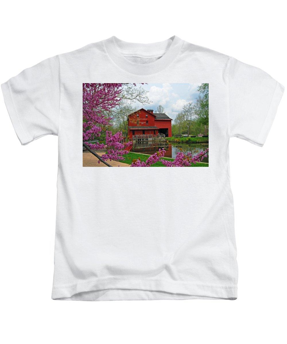 Bonneyville Mill Kids T-Shirts