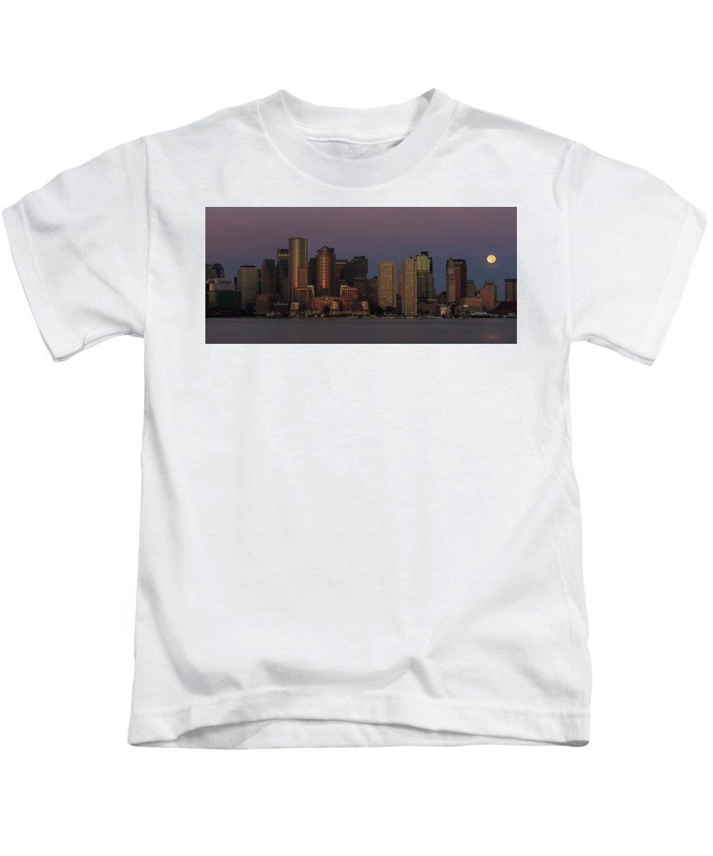 Boston Kids T-Shirt featuring the photograph Boston Moonset And Sunrise by Rob Davies