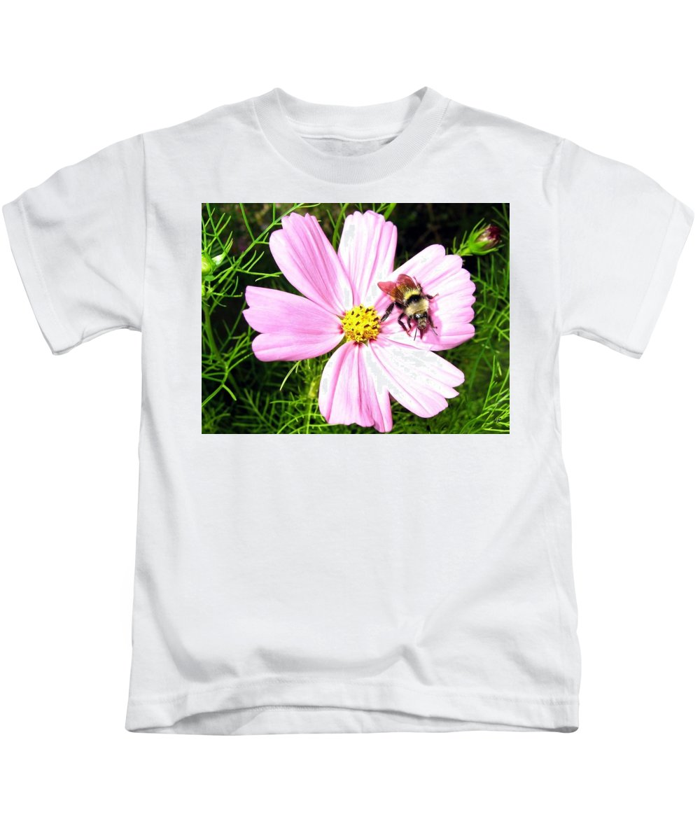 Bee Kids T-Shirt featuring the photograph Busy Bee by Will Borden