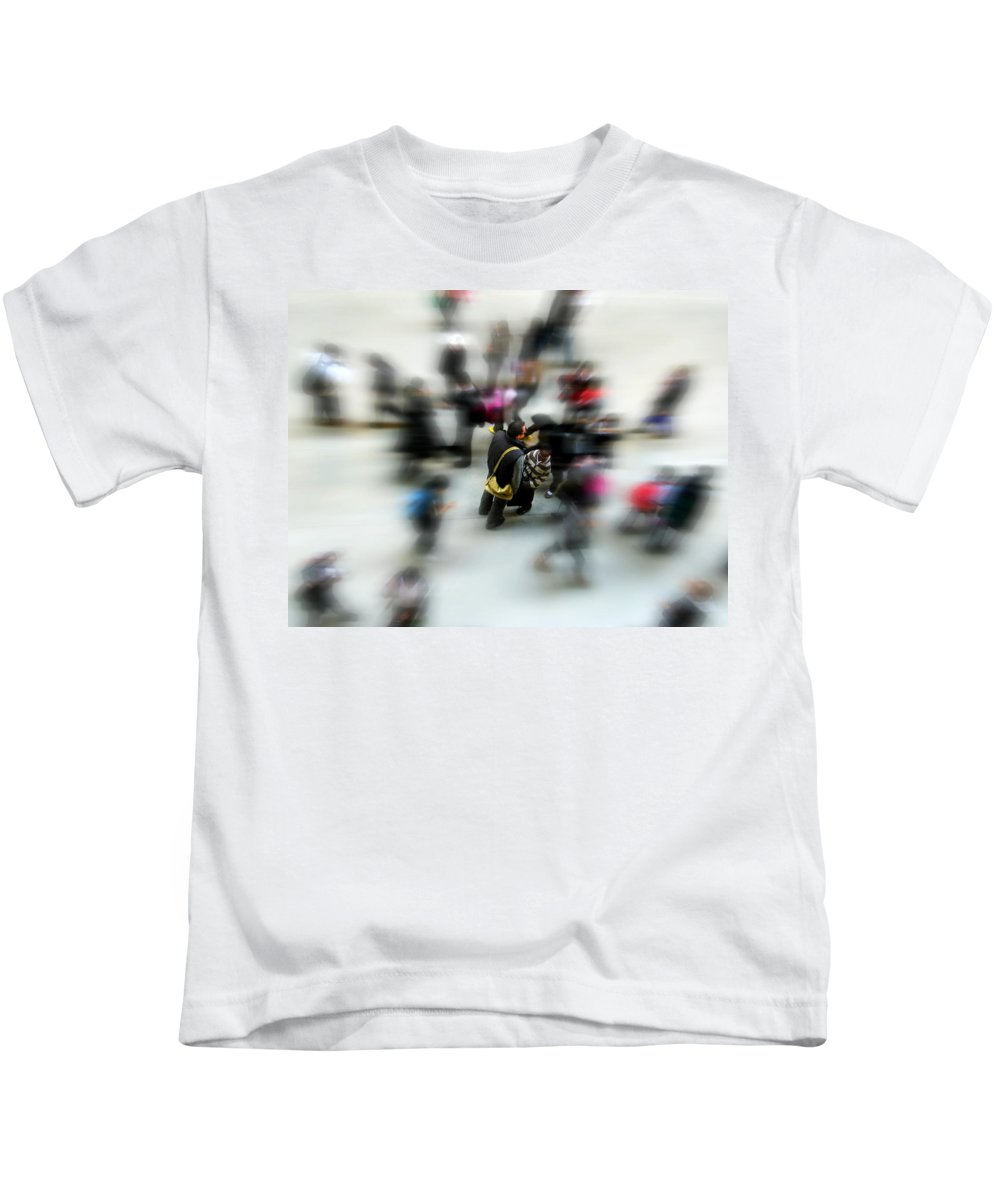 London Kids T-Shirt featuring the photograph City In Movement by Osvaldo Hamer