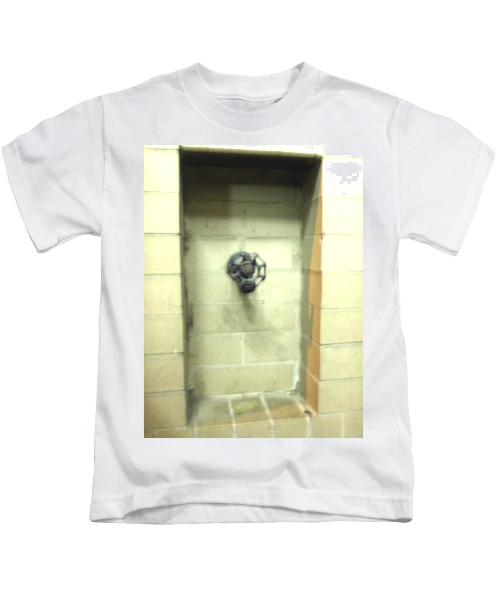 Color Photograph Kids T-Shirt featuring the photograph Color Spicket by Thomas Valentine