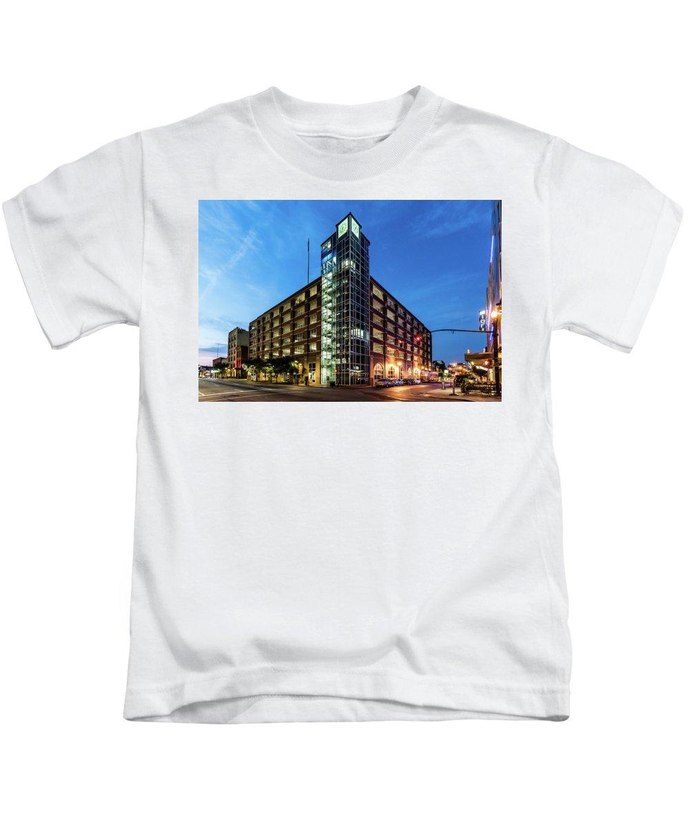 2017 Kids T-Shirt featuring the photograph Cressman Center by Randy Scherkenbach