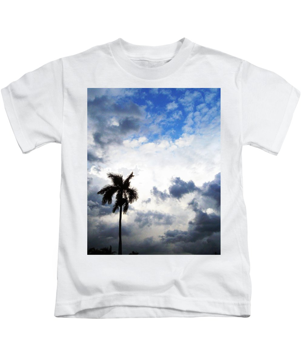 Florida Kids T-Shirt featuring the photograph Darkness Moving In by Chris Andruskiewicz