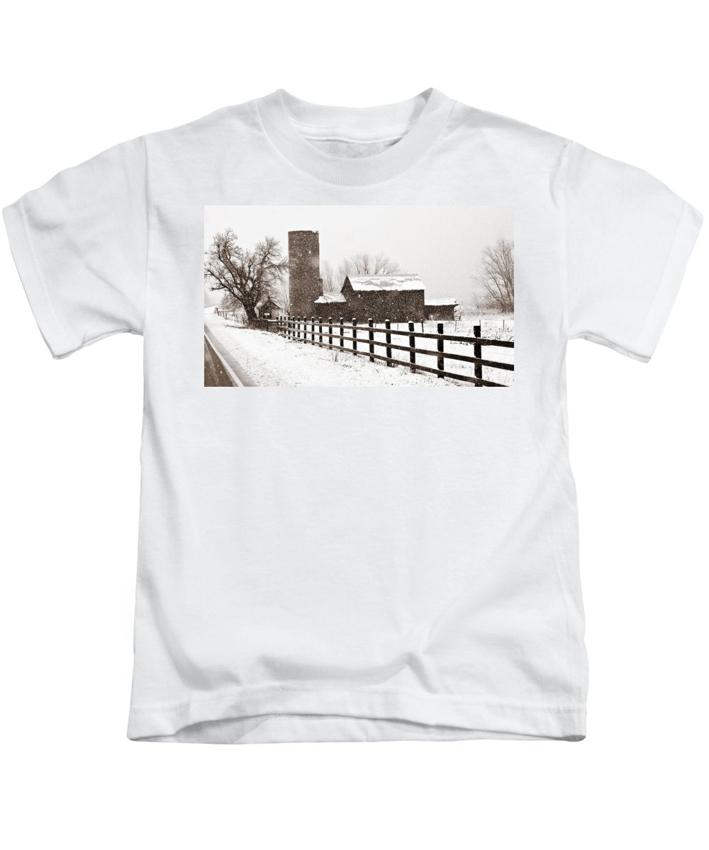 Americana Kids T-Shirt featuring the photograph Driving Down Cherryvale by Marilyn Hunt