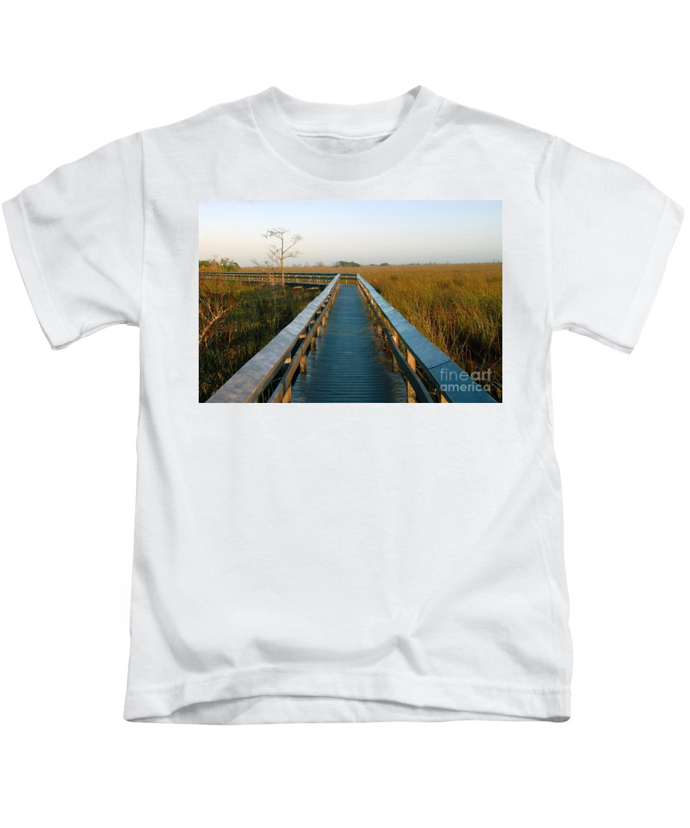 Everglades National Park Florida Kids T-Shirt featuring the photograph Everglades National Park by David Lee Thompson