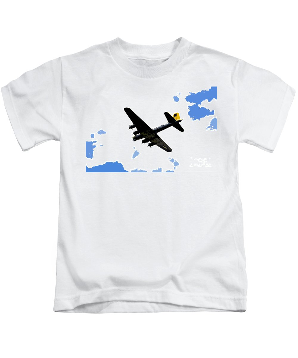 B 17 Kids T-Shirt featuring the photograph Flying For Home by David Lee Thompson