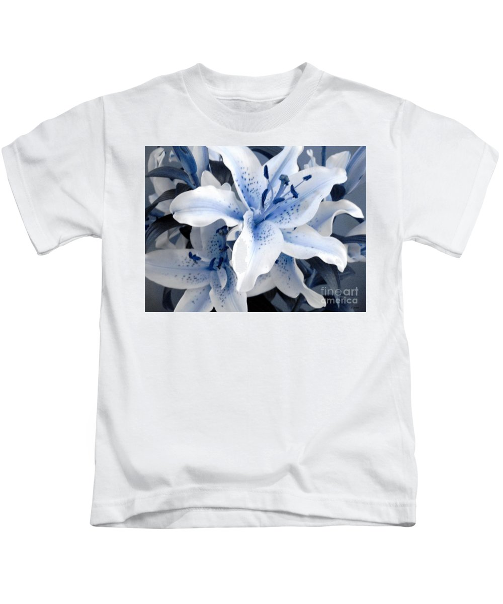 Blue Kids T-Shirt featuring the photograph Freeze by Shelley Jones