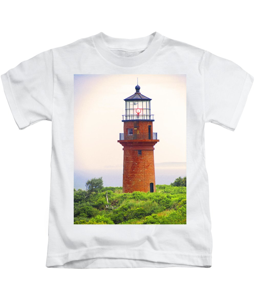 Located At The Township Of Aquinnah (gay Head) Cliffs Kids T-Shirt featuring the photograph Gay Head Lighthouse by Mark Sellers