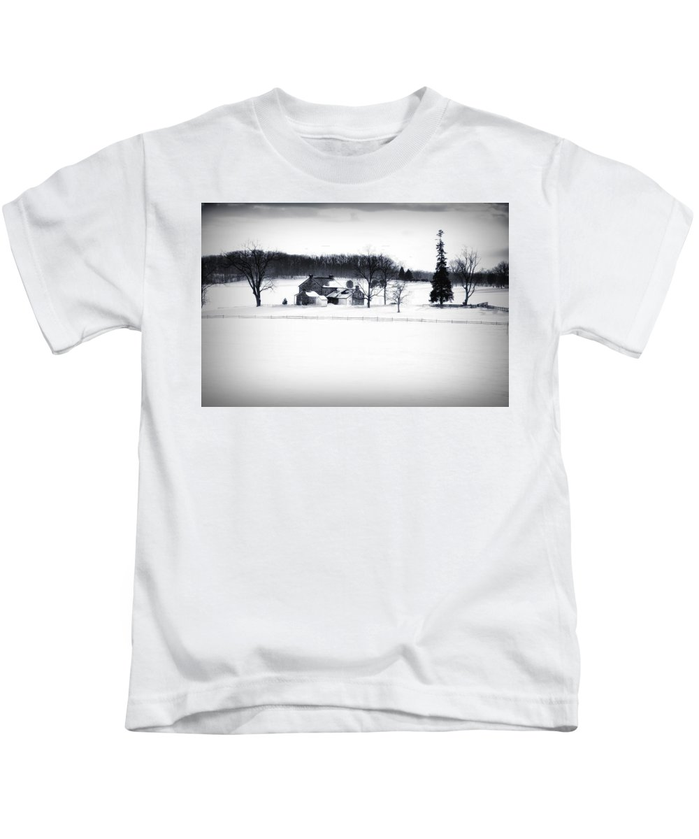 Gettysburg Kids T-Shirt featuring the photograph Gettysburg Farm In Winter by Bill Cannon