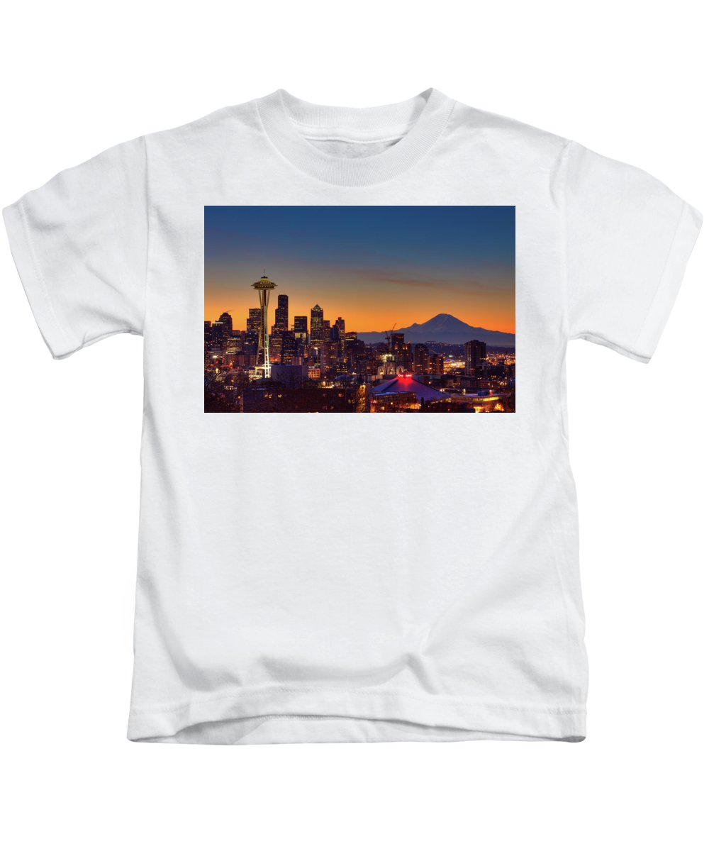 Kerry Park Kids T-Shirt featuring the photograph Good Morning From Kerry Park by Jon Reiswig