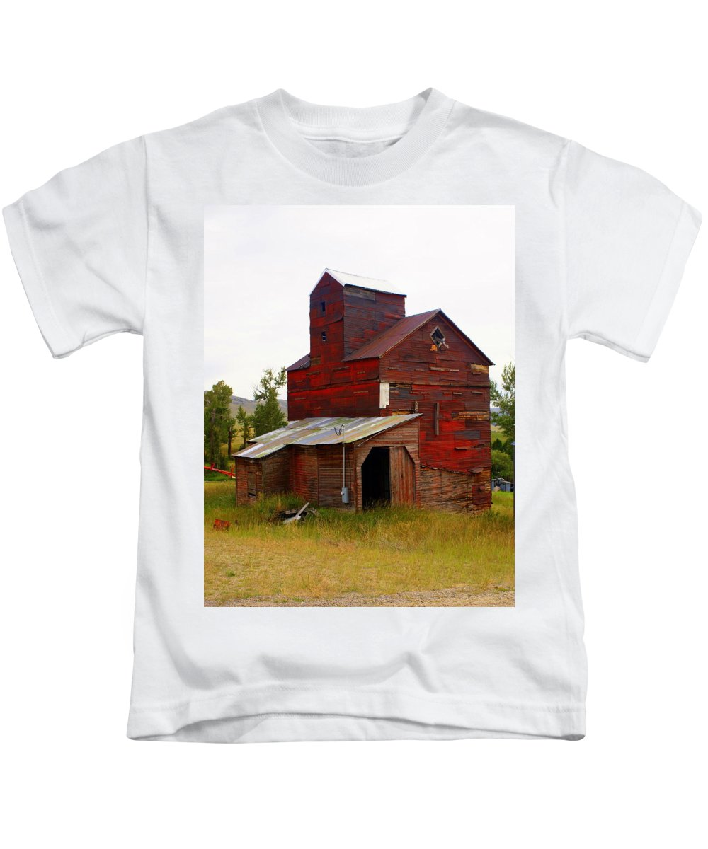 Grane Elevator Kids T-Shirt featuring the photograph Grain Elevator by Marty Koch