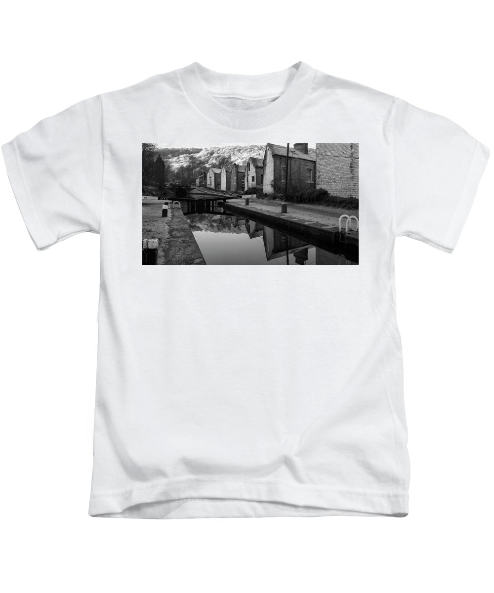 England Kids T-Shirt featuring the photograph Rochdale Canal, Yorkshire, England by David Gaynor