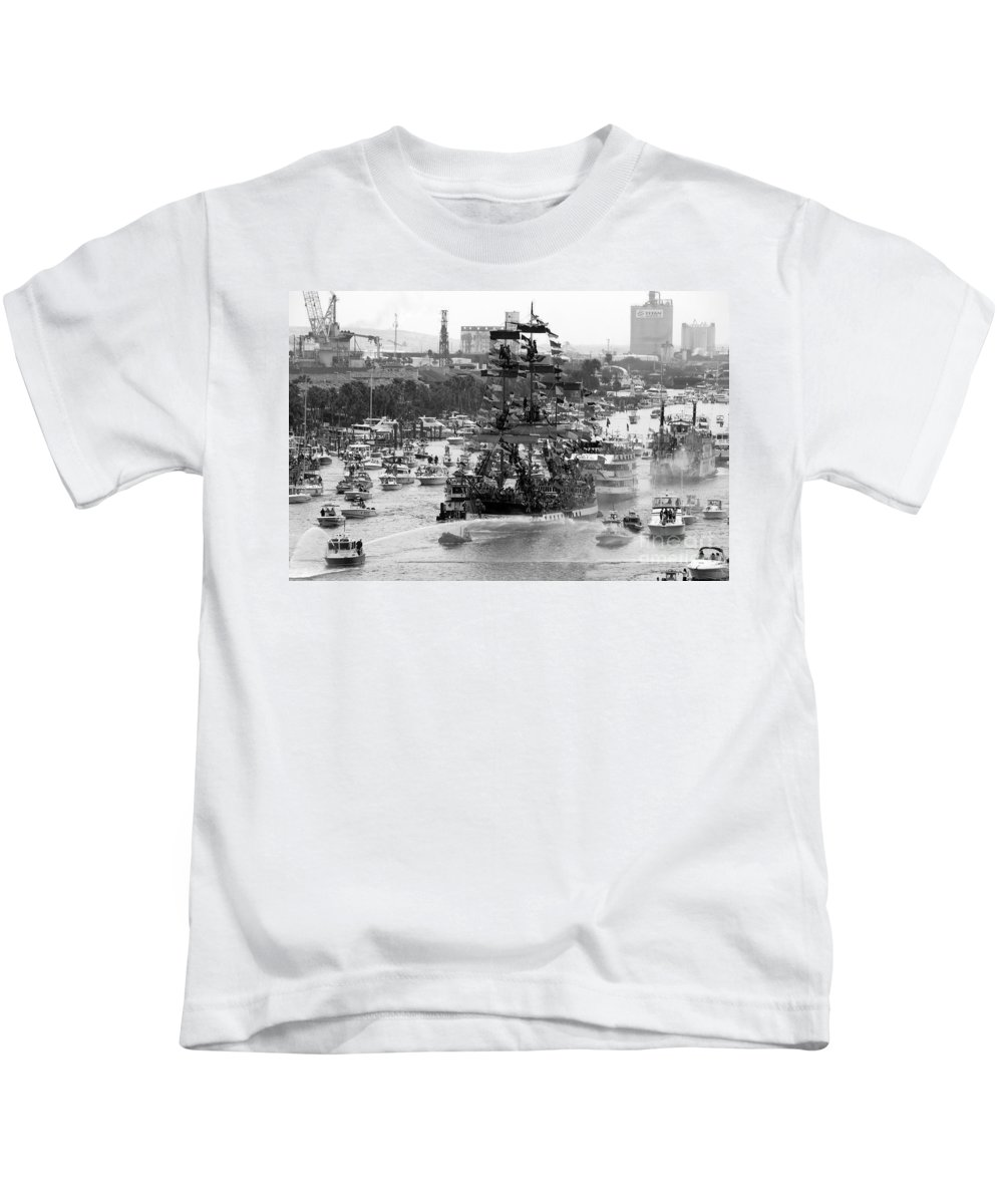 Tampa Bay Florida Kids T-Shirt featuring the photograph Here Come The Pirates by David Lee Thompson