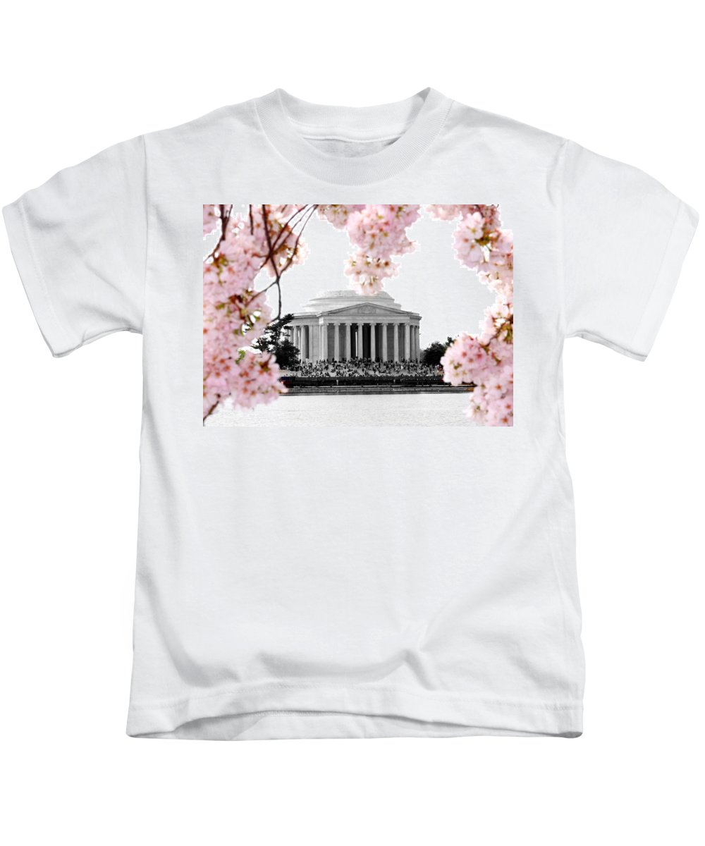 Jefferson Kids T-Shirt featuring the photograph Jefferson In Spring by Tina Meador