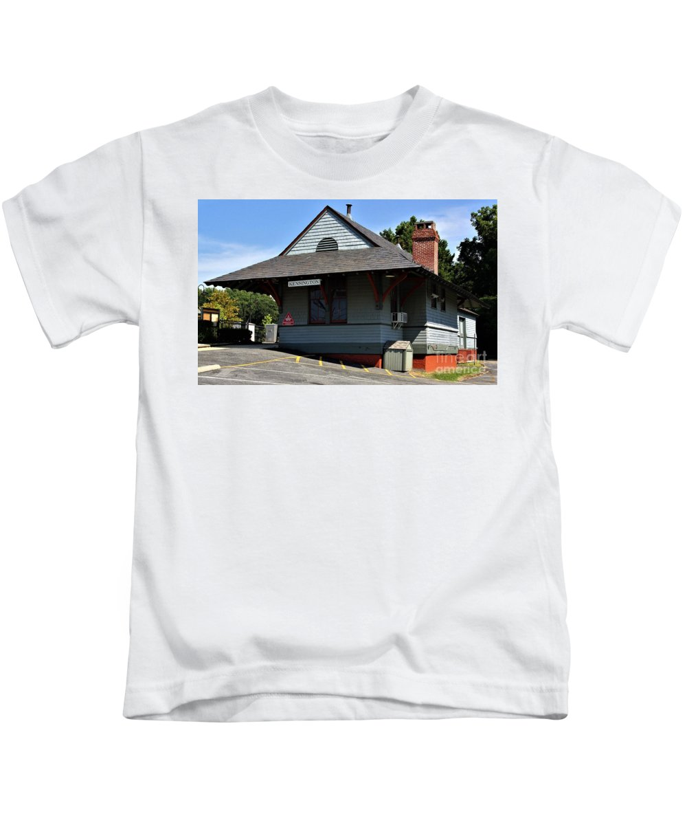 Kensington Train Station Kids T-Shirt featuring the photograph Kensington Train Station by Patti Whitten