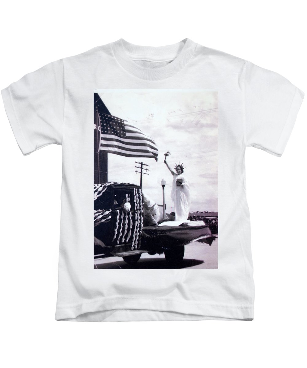 4th Of July Kids T-Shirt featuring the photograph Lady Liberty by Kurt Hausmann