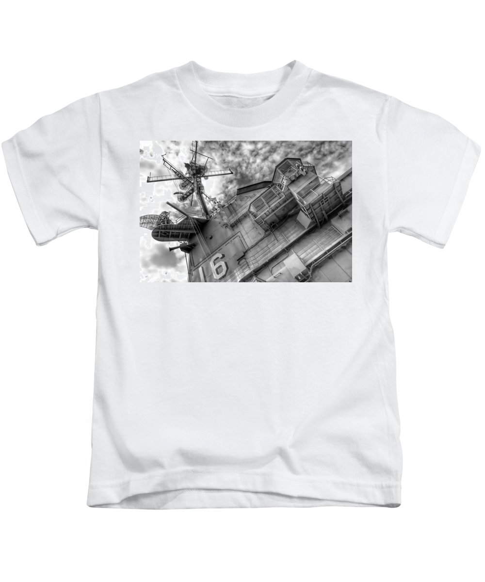 Lexington Super Structure Kids T-Shirt featuring the photograph Lexington Super Structure by Tom Kiebzak