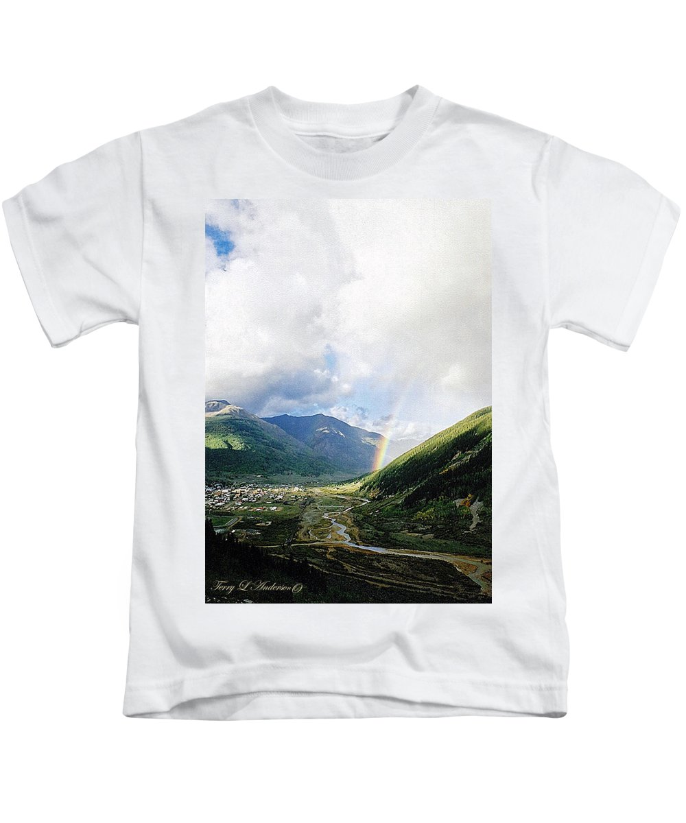 Longing Kids T-Shirt featuring the photograph Longing by Terry Anderson