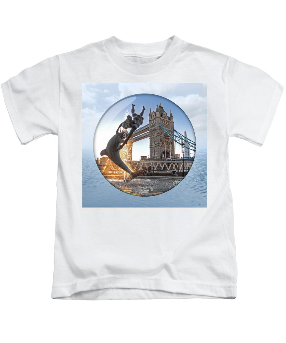 London Kids T-Shirt featuring the photograph Lost In A Daydream - Floating On The Thames by Gill Billington