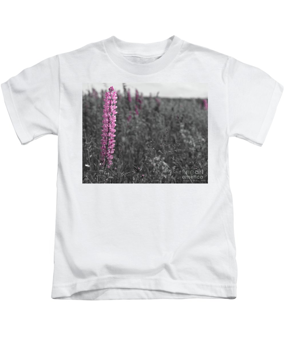 Canada Kids T-Shirt featuring the photograph Lupins 2016 27a by Rodger Wilkie