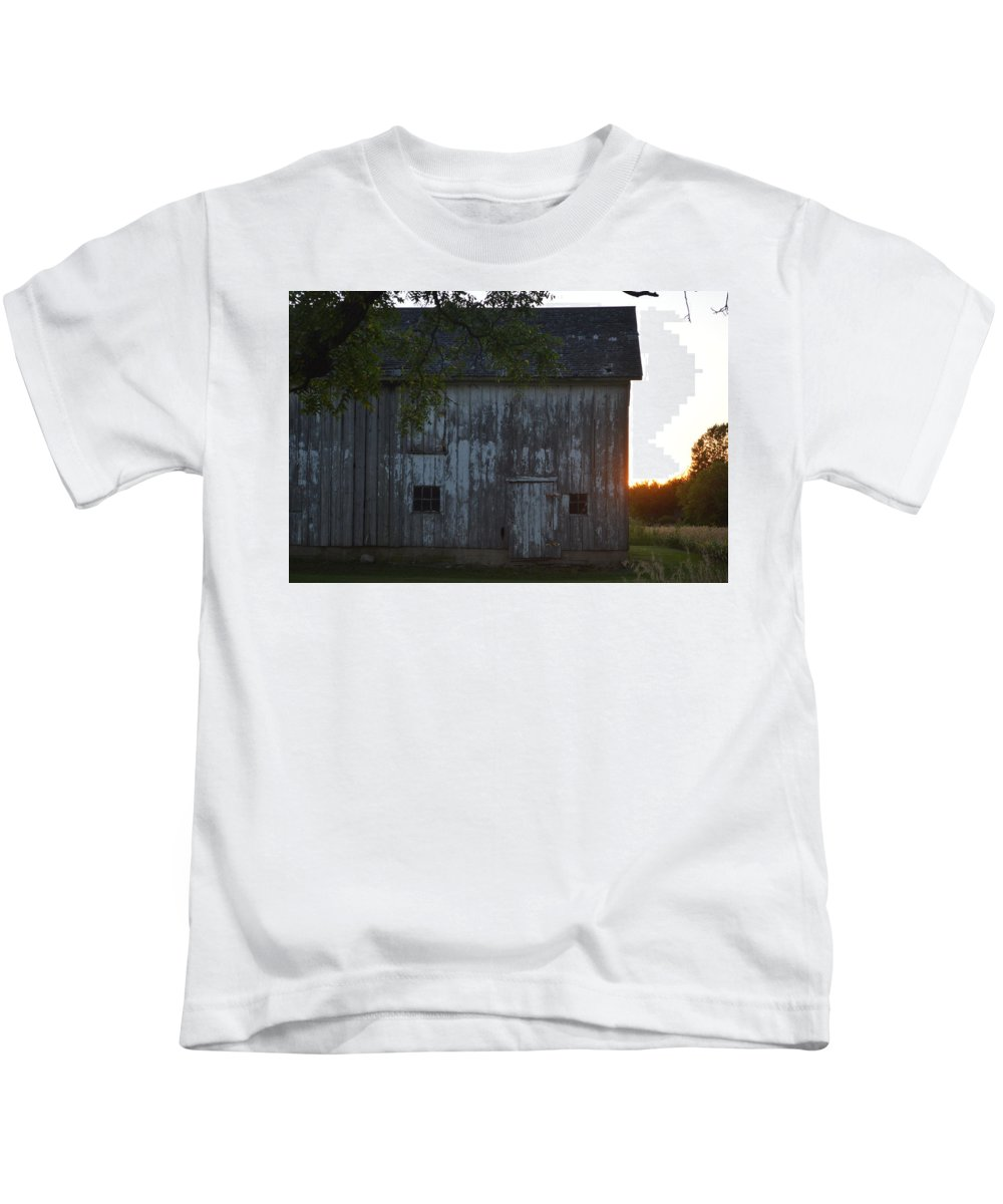 Bar Kids T-Shirt featuring the photograph Midwest Barn by Sharmila Taylor