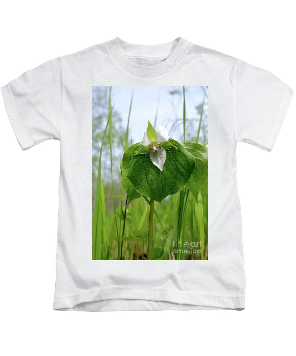 Wild Flowers Kids T-Shirt featuring the photograph Nodding Trillium by Sandra Updyke