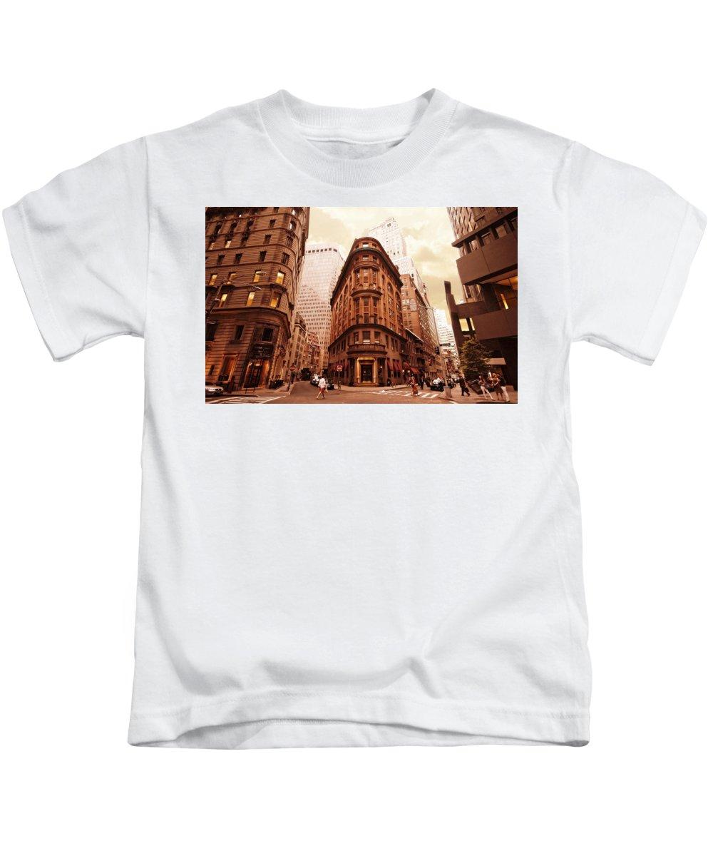 Kids T-Shirt featuring the photograph NY2 by Vladimir Damjanovic
