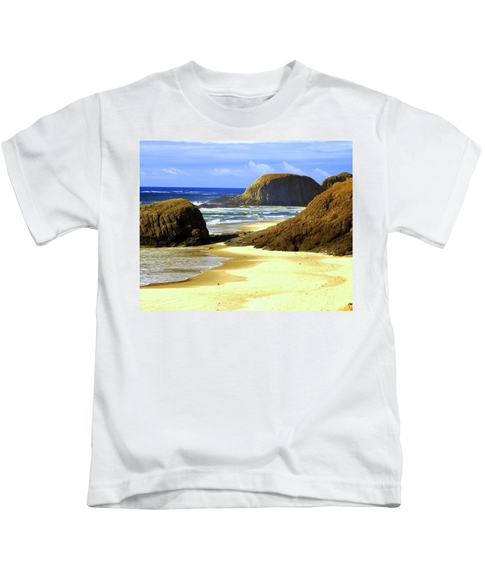 Ocean Kids T-Shirt featuring the photograph Oregon Coast 18 by Marty Koch