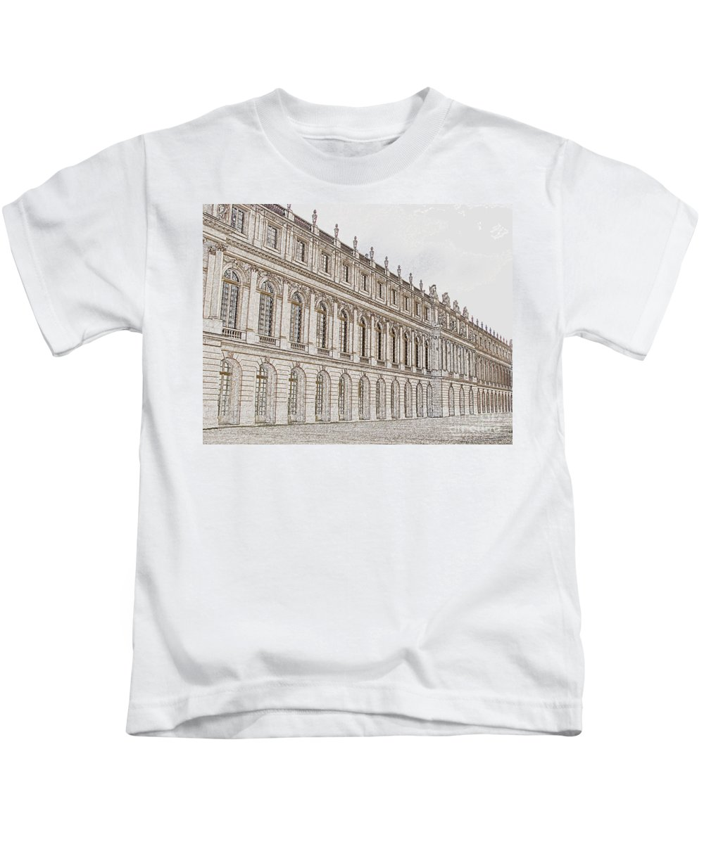 France Kids T-Shirt featuring the photograph Palace Of Versailles by Amanda Barcon