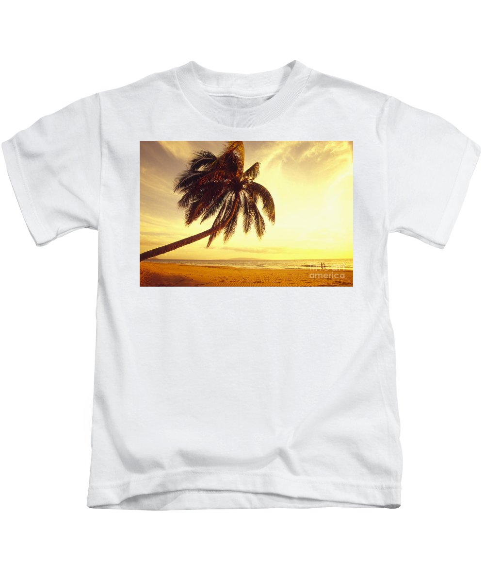 66-csm0125 Kids T-Shirt featuring the photograph Palm Over The Beach by Ron Dahlquist - Printscapes