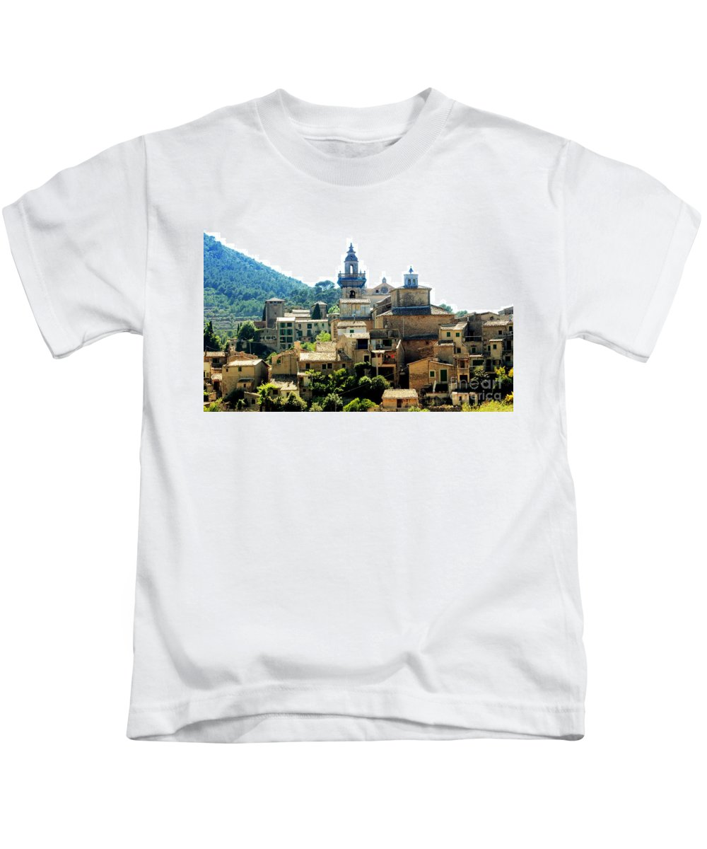 Palmas De Mallorca Kids T-Shirt featuring the photograph Palmas De Mallorca by Haniet Cordovi