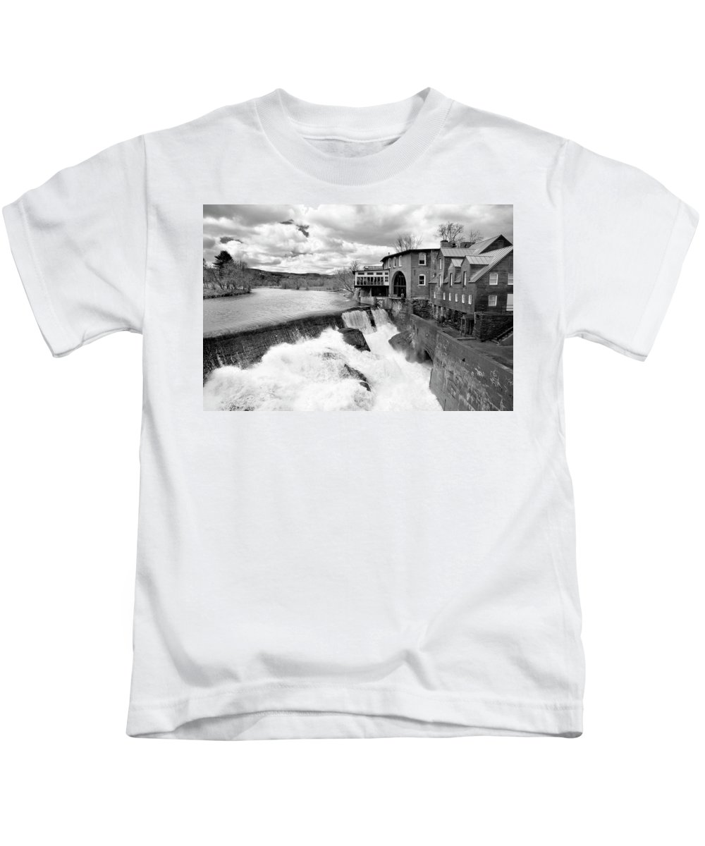 Covered Bridge Kids T-Shirt featuring the photograph Quechee's Thaw by Greg Fortier