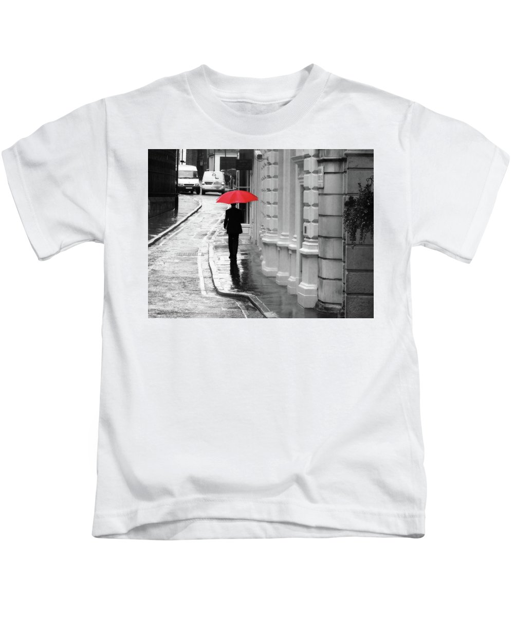 Umbrella Kids T-Shirt featuring the photograph Red Umbrella In London by Erin Donalson