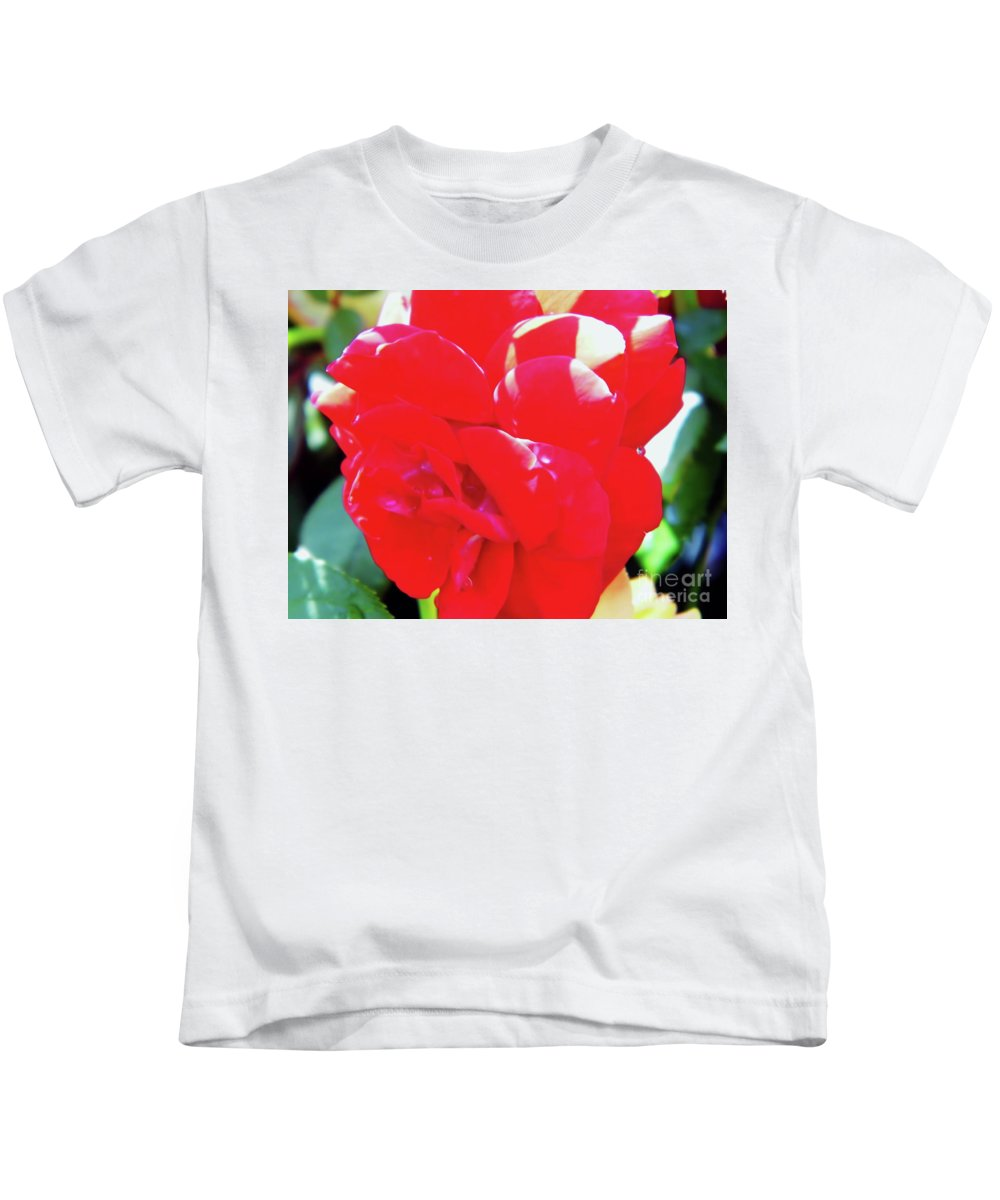 Roses Kids T-Shirt featuring the photograph Red Velvet With Dewdrops by D Hackett