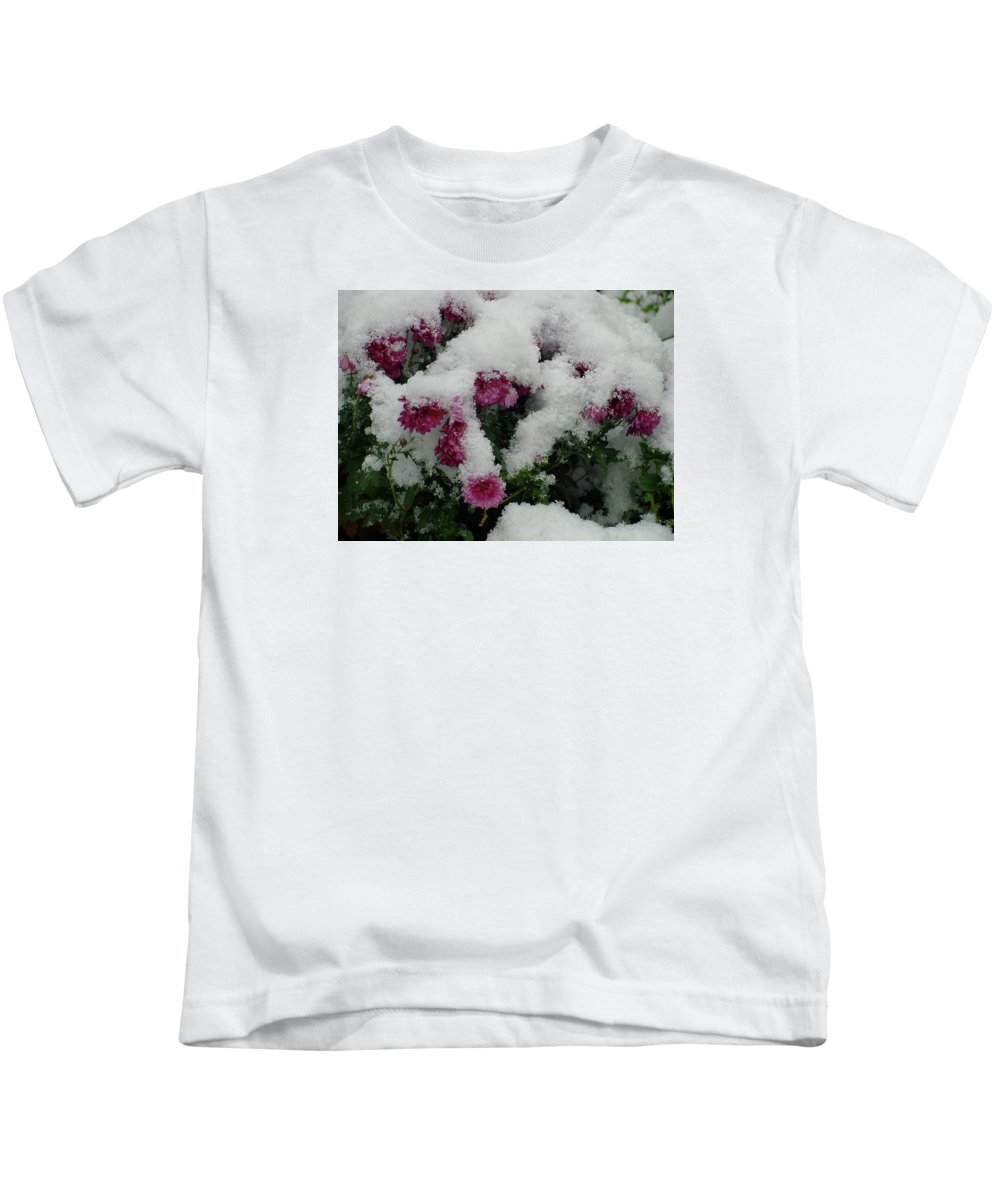 Flower Kids T-Shirt featuring the photograph Snowy Chrysanthemums by Shirley Heyn